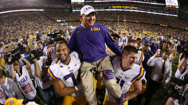 lsu-supporters-saved-les-miles.jpg