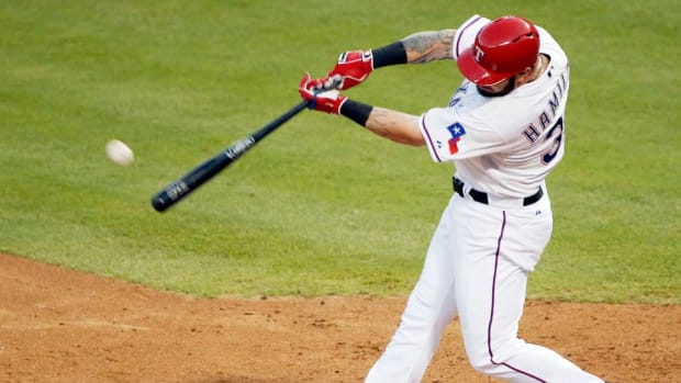 josh-hamilton-texas-rangers-home-run-brandon-wade.jpg