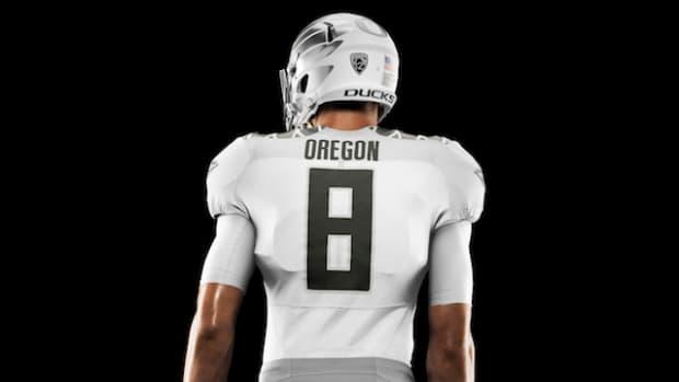 HO14_NFB_NCAA_Oregon_Uniform_439_V2_crop_1_HR_original.jpeg