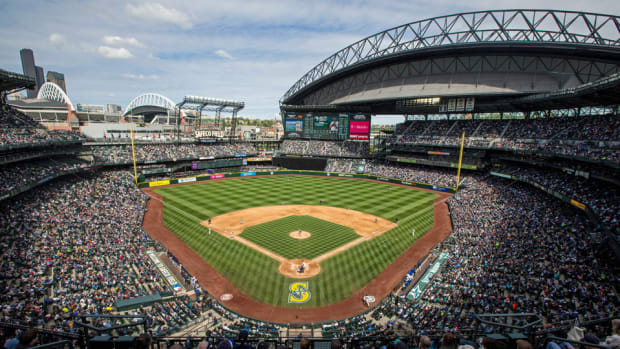 seattle-mariners-woman-108-first-pitch.jpg