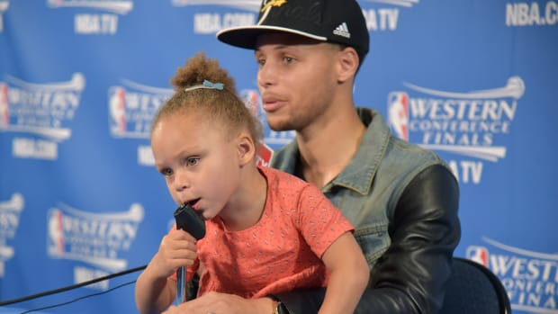stephen-curry-riley-golden-state-warriors.jpg