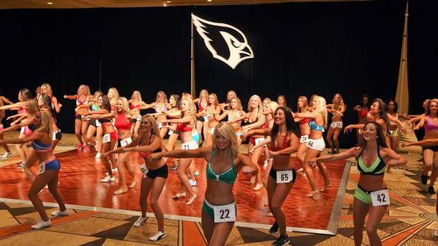 Arizona-Cardinals-Cheerleader-auditions-Y4P_6363.jpg