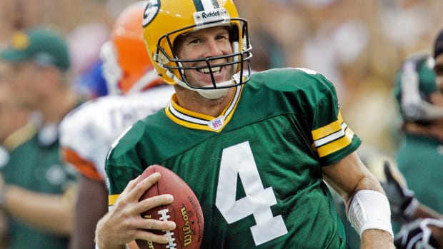 packers-brett-favre-number-retirement.jpg