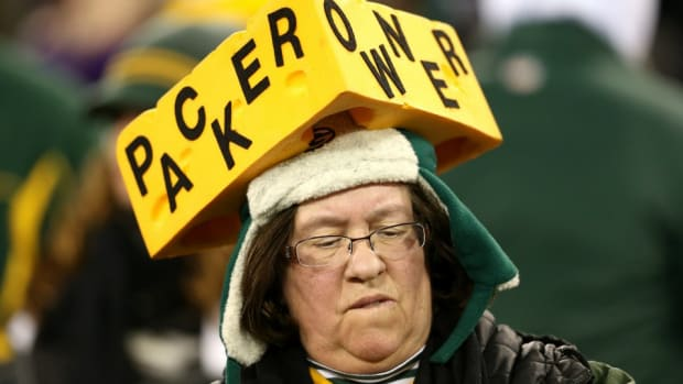 Wisconsin governor takes shot at Chris Christie ahead of Cowboys-Packers game