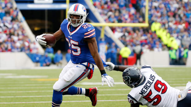 lesean-mccoy-concussion-protocol-injury-update-vs-texans.jpg