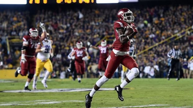Arkansas stuns No. 9 LSU, 31-17 -- IMAGE