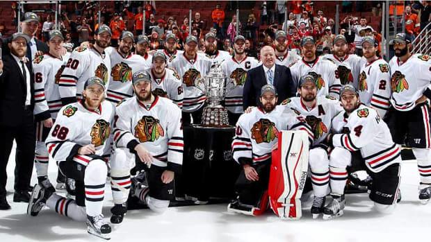 blackhawks-team-photo.jpg