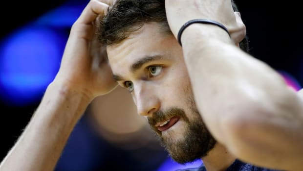 Cavs must figure out how to use Kevin Love while LeBron's out-image