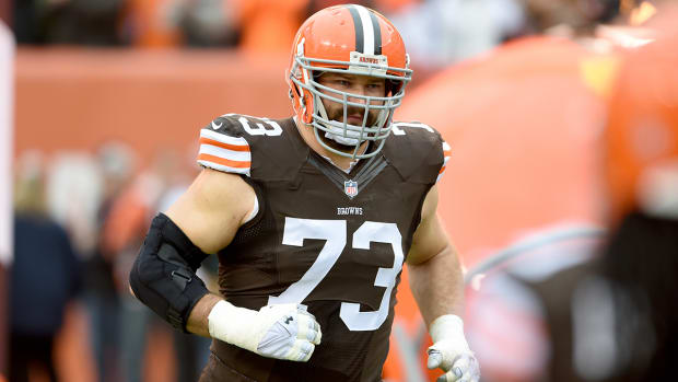 Benoit's Film Room: Joe Thomas IMAGE