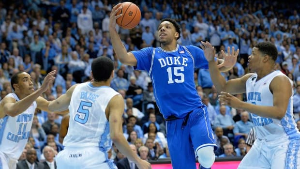 jahlil okafor give and go