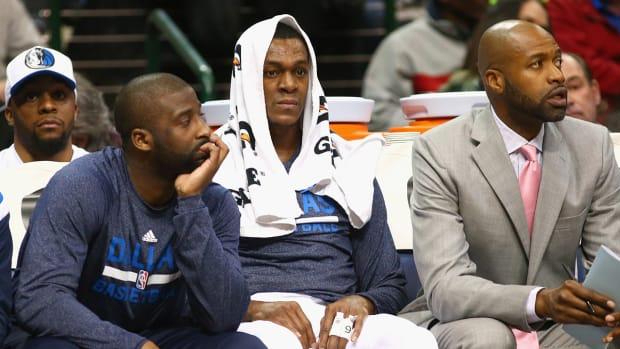 Mavericks suspend Rajon Rondo one game