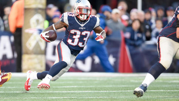 new-england-patriots-dion-lewis-acl.jpg