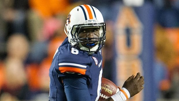 Auburn's Jeremy Johnson: 'C' performance so far; Texas staying course after AD change
