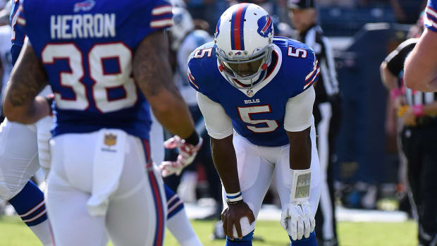 Bills QB Tyrod Taylor could miss multiple games with MCL sprain--IMAGE