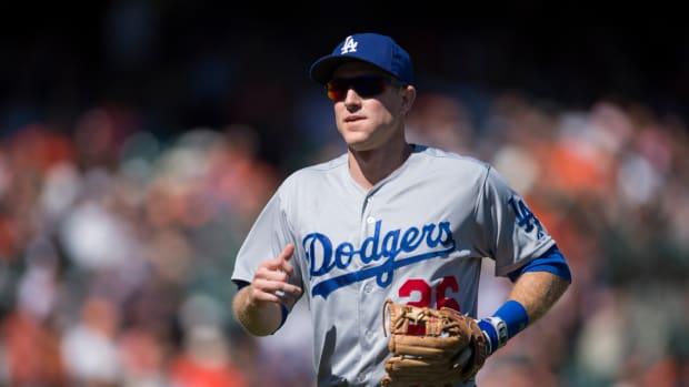 chase-utley-out-game-3-mets-dodgers.jpg