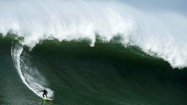 mavericks-big-wave-960.jpg