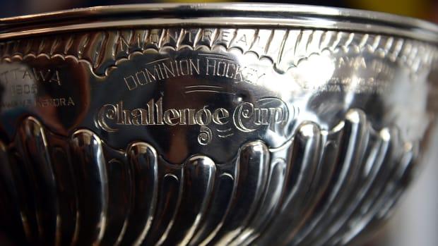 stanley-cup-trophy-2015.jpg