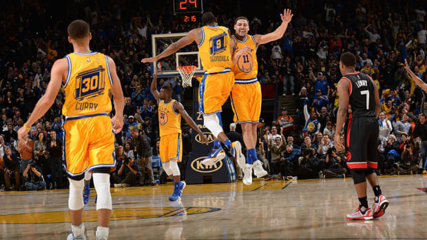 golden-state-warriors-curry.jpg