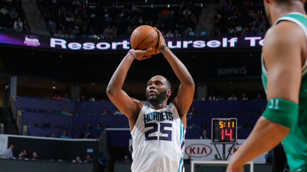 charlotte-hornets-al-jefferson-option-contract.jpg
