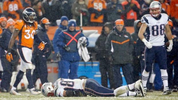 rob-gronkowski-injury-update-knee.jpg