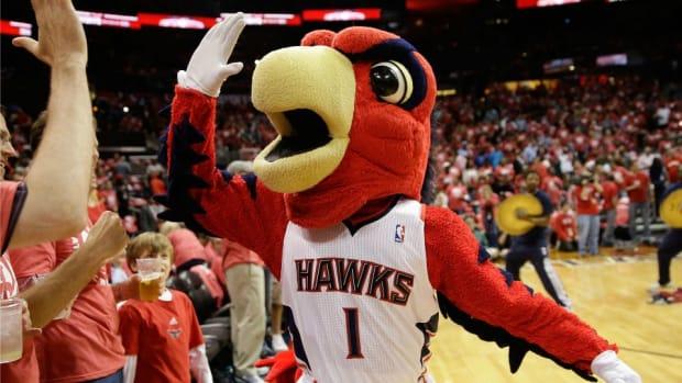 Atlanta Hawks mascot got catfished on Tinder night