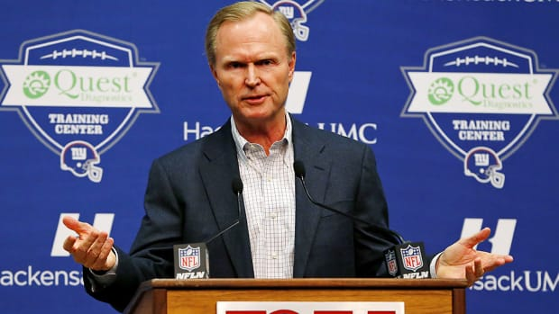 nfl owners meeting 2015 roger goodell point after touchdown john mara