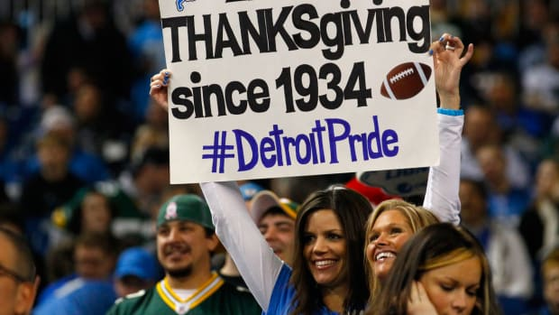 lions-thanksgiving-2011-packers-tradition-sign.jpg