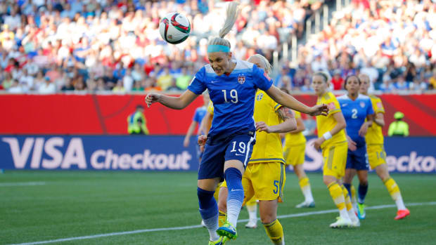 julie-johnston-usa-sweden.jpg