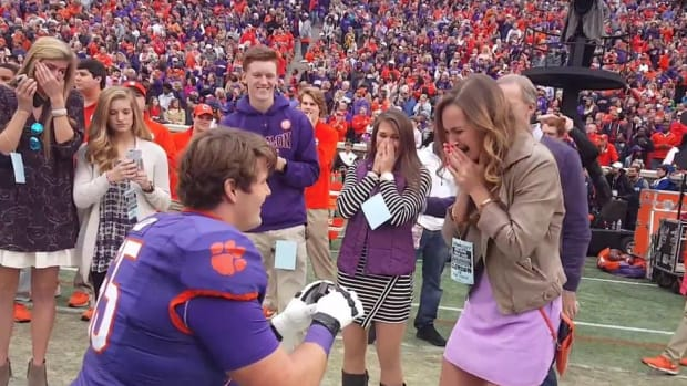 Clemson lineman Daniel Stone proposes to girlfriend before Senior Day game
