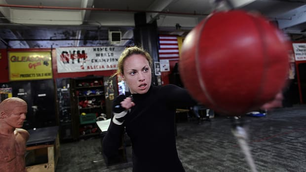 heather-hardy-boxing-training-960.jpg