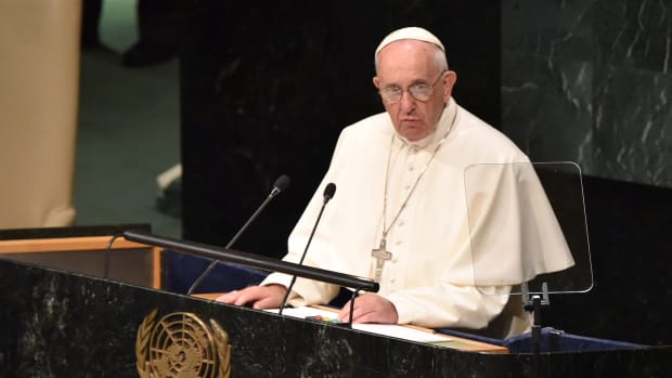 pope-francis-david-beckham.jpg