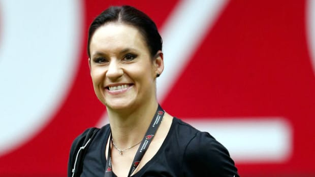 jen-welter-first-female-nfl-coach.jpg