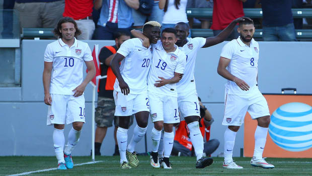 U.S. captain Clint Dempsey injures hamstring, to miss European friendlies