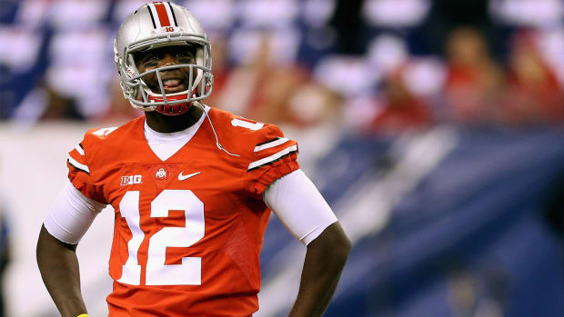 Reports: Ohio State QB Cardale Jones taken to hospital with migraine--IMAGE