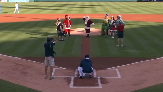 Santa Clause Throws Out Terrible First Pitch in Detroit