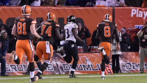 Ravens run back blocked field goal, stun Browns - IMAGE