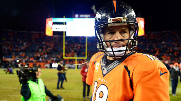 Terrell Owens: The writing is on the wall for Peyton Manning - Image