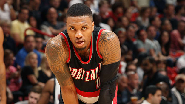damian-lillard-blazers-foot-injury.jpg