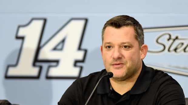 Tony Stewart officially announces retirement - IMAGE