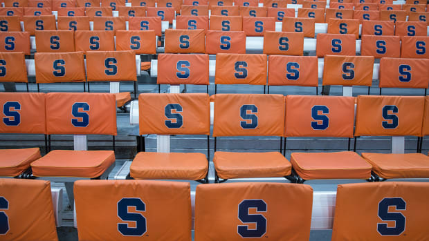 Syracuse self-imposes postseason ban IMAGE