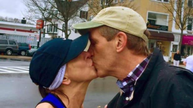 boston-marathon-kiss-wife.jpg
