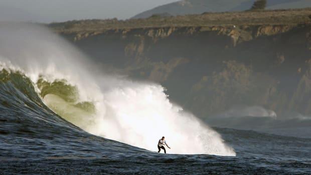 grant-baker-titans-of-mavericks-big-wave-surfing-960.jpg