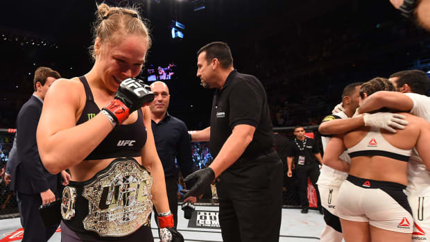 Ronda Rousey to Bethe Correia after UFC 190 knockout: 'Don't cry'--IMAGE