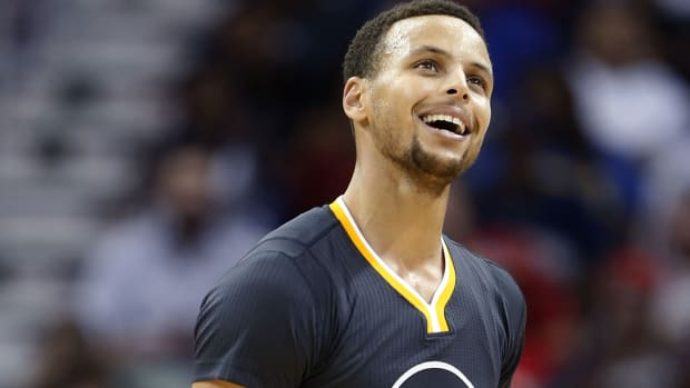 stephen-curry-video-warriors-pelicans.jpg