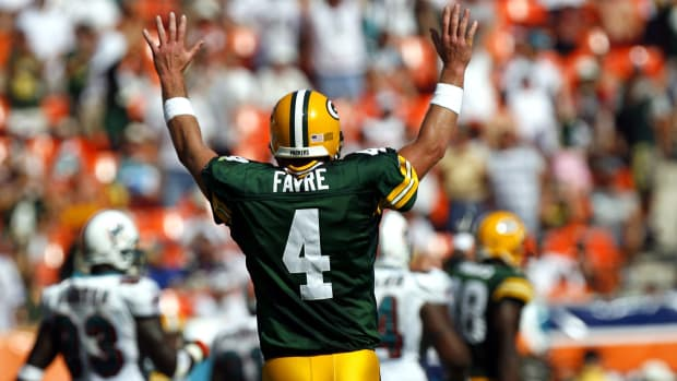 brett-favre-hall-of-fame-packers.jpg