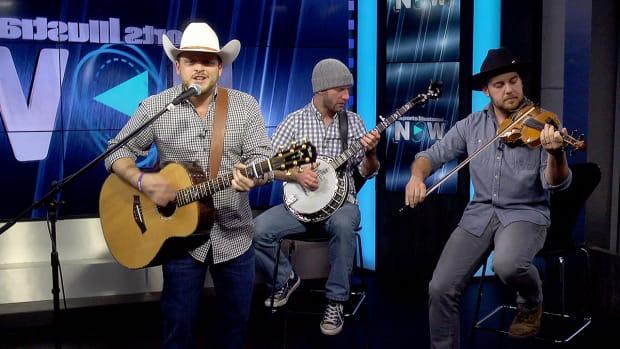 Josh Abbott Band performs 'Hangin' Around' on SI Now-image