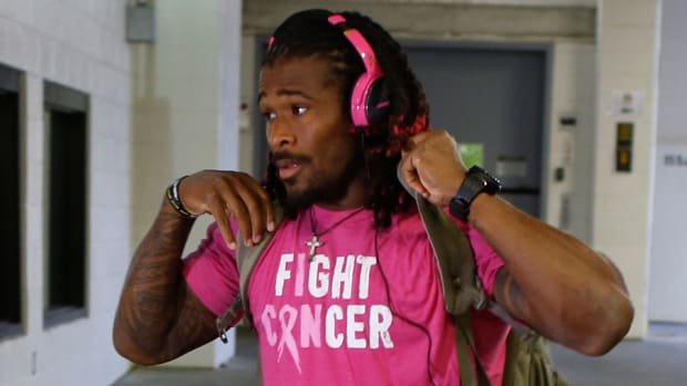 deangelo-williams-pink-breast-cancer-nfl-request-denied.jpg