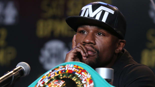 Mayweather: Rousey can 'call me' when she makes $300M in 36 minutes--IMAGE