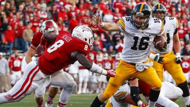 Week 11 college football preview: Iowa, Oklahoma State, Houston look to stay unbeaten IMAGE