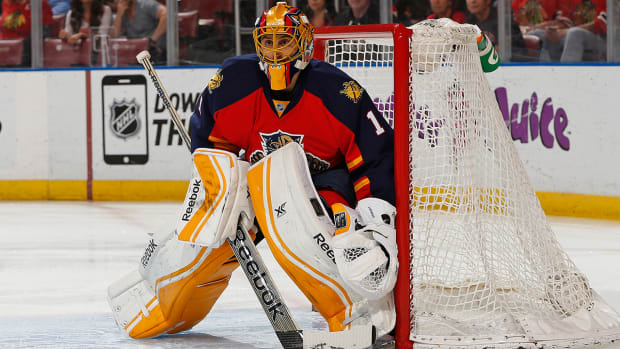 Panthers holding fan tryouts for backup practice goalie IMAGE